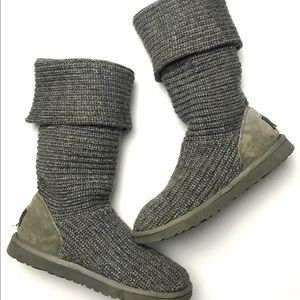 UGG Cardy long boots classic size 9 Grey